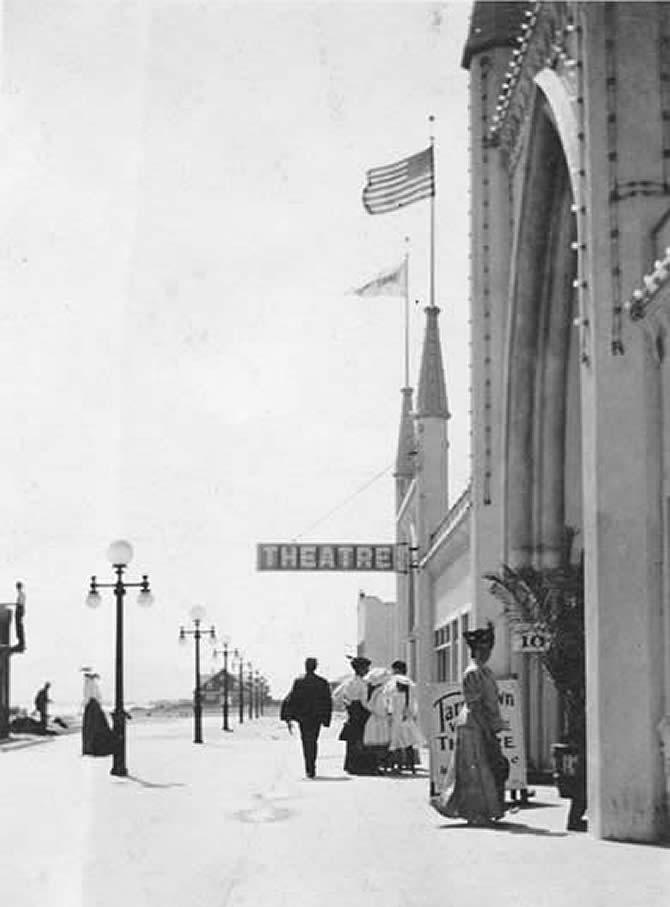1907 exterior of Tarrytown